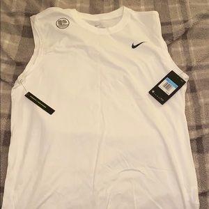 NWT Nike Tank Top Size Medium